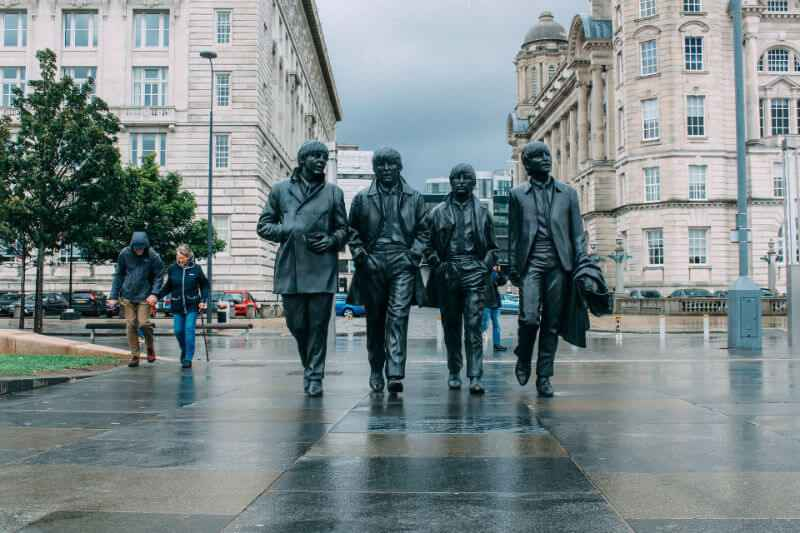 the-beatles-statue